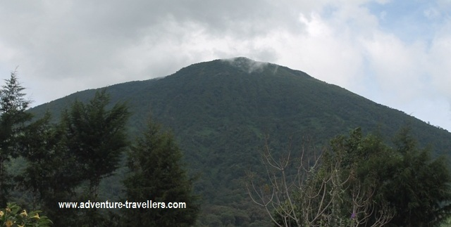 mountain-bisoke-volcano