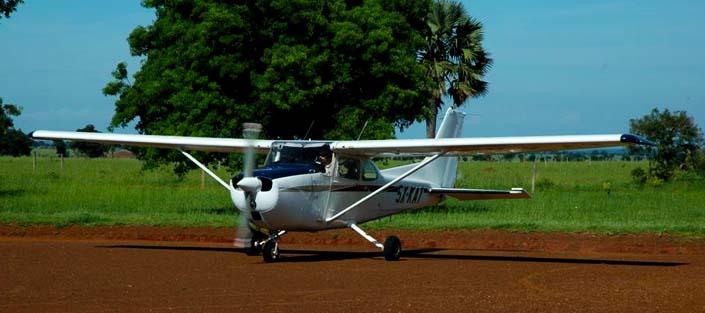 3 days gorilla flying safari - 3 days flying gorilla tracking safari to bwindi forest safari